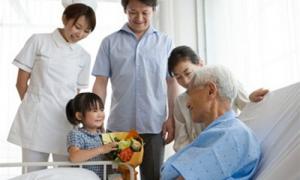 Chăm sóc bệnh nhân ung thư giai đoạn cuối những điều cần biết