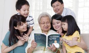 """Sách """"Hợp chất Fucoidan mang lại sức khỏe và hy vọng"""""""